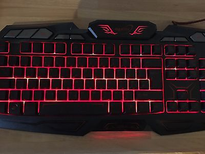 Gaming Keyboard *LED LIGHTS * *PERFECT CONDITION*