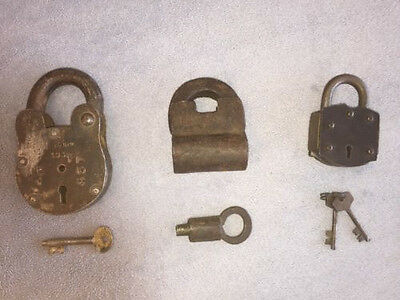 Antique Wrought Iron Screw Lock, 2x pad locks all with keys