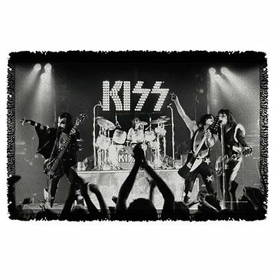 Kiss Staged Woven Tapestry Throw