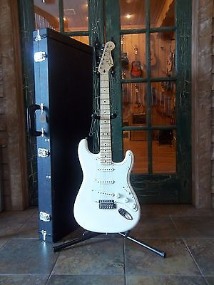 2015 Fender Standard Stratocaster in Arctic White with Hard Case
