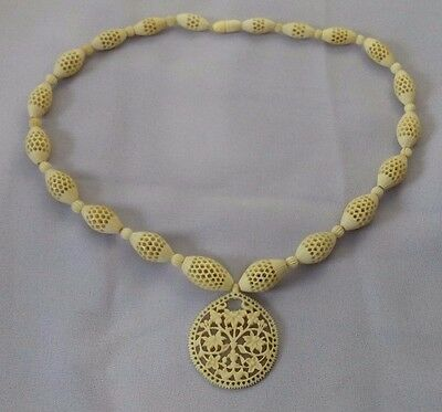 Exquisite Vintage Carved Bovine Bone Graduated Filigree Pierced Bead Necklace