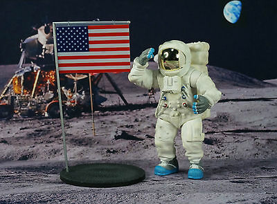 Apollo 11 Lunar Landing Space Astronaut Neil Armstrong 1:18 Figure Model K1176 C