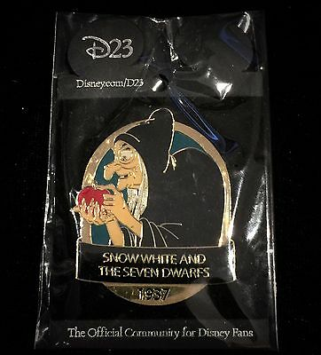 D23 Disney Animated Magic Old Hag Snow White 7 Seven Dwarf Halloween Treat Pin
