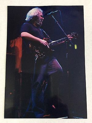 "GRATEFUL DEAD JERRY GARCIA PHOTO - The Spectrum, philly, PA - 3-30-87 - 7"" x 10"""