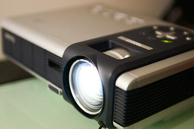 Benq PB2240 compact DLP Projector mini portable with padded carry bag Excellent!