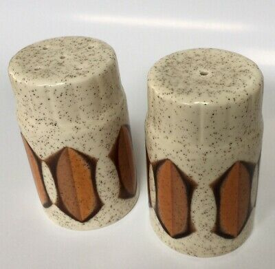 Vintage Regina Industries Stoke On Trent 70s Salt + Pepper Shakers $20 Free Post
