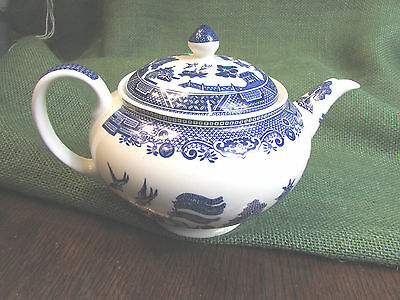 Johnson Brothers Blue Willow Teapot EXC
