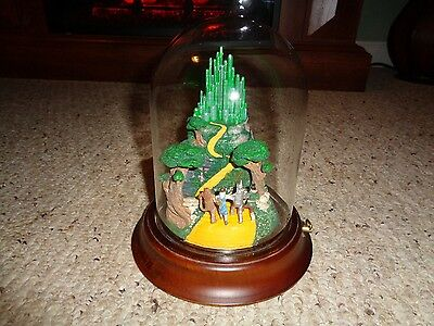 "1989 Turner Ent. Wizard of Oz ""We're Off To See The Wizard"" Glass Dome Music Box"