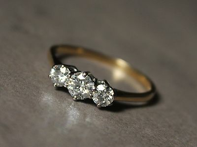 18ct Gold Ring With Natural Diamonds & Moissanite 1ct
