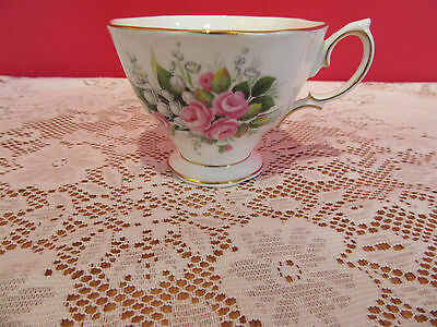 Stunning bone china Royal Albert Lily of the Valley tea  cup