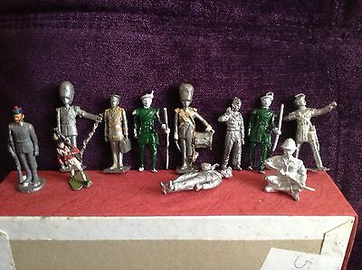 Lovely Lot of Collectable Old Vintage Lead Figures Soldiers Etc