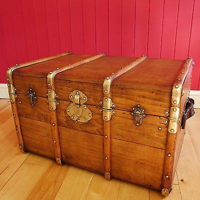 VINTAGE STEAMER TRUNK Coffee Table RECLAIMED FRENCH 1920's Rustic Storage Chest
