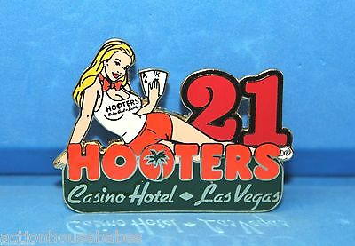 Hooters Blonde Girl Dealer 21 Blackjack Casino Hotel Las Vegas Lapel Pin