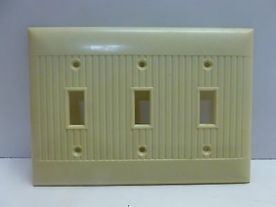 Vtg Art Deco Cream Beige Ribbed Three 3 Gang Toggle Triple Switch Plate Cover
