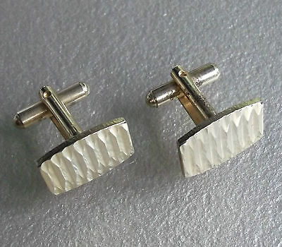 VINTAGE CUFFLINKS 1960s 1970s MOD GOLDTONE METAL CUT DAZZLING RETRO MODERNIST