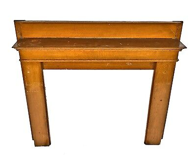 1900-1910 Solid Quartered Oak Wood Interior Residential Chicago Fireplace Mantel