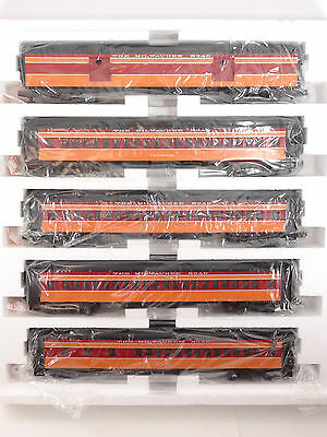 MTH O Scale Milwaukee Road Scale Madison 5 Car Passenger Set Item MT-4015 New