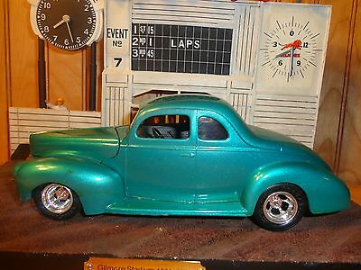 Revell AMT '40 Ford Coupe Nailhead 3x2s Clean Build 1/25 Built Model Diorama