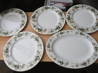 ROYAL DOULTON LARCHMONT 4 dinner plates and oval serving plate