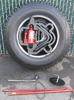 Range Rover County Classic 1984-95 Spare Tire W/ Factory Rim & Complete Jack Set