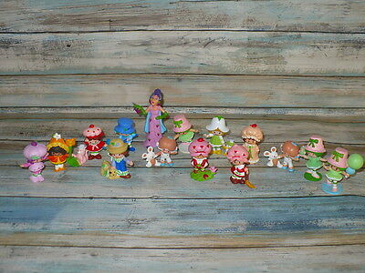 Vintage Strawberry Shortcake Mini Lot Miniatures Figures 15pc Great Condition