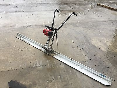 Concrete  Power screed Screeder With Honda GX35 Motor and 3m Screed.. Used Once