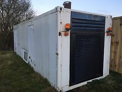 7.7m (25ft) White Container Ideal For Storage, Workshop, Office With A Tidy Up