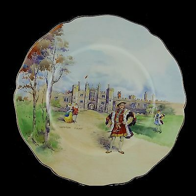 VINTAGE ROYAL DOULTON - Historic England Henry VIII at Hampton Court plate D5940
