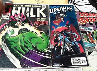 Mixed lot of one random comic book from DC, Marvel, Dark Horse etc