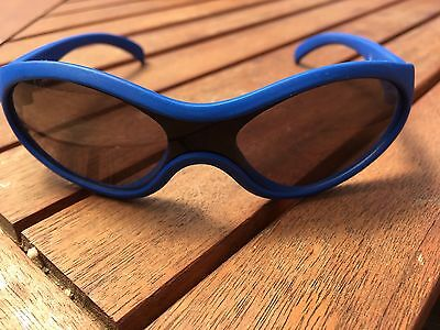 Kids small blue sunglasses VGC (11cm from hinge to hinge)