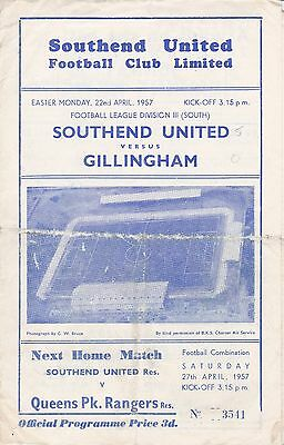 Southend United v Gillingham,  Division 3 South,  22/4/1957