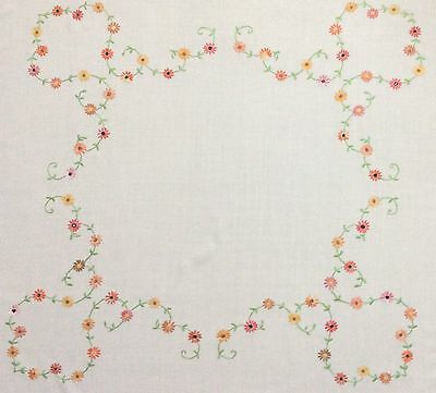 Pretty Vintage Hand Embroidered Tablecloth ~ Daisy Chains