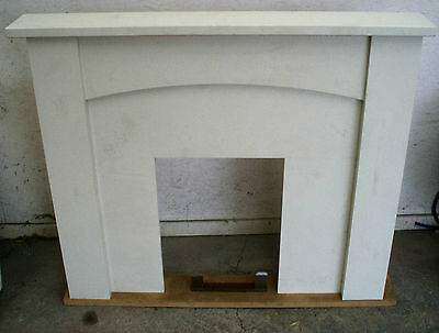 "White Hedley Fireplace Set - Fire Surround, Back and mantle 48"". New other."