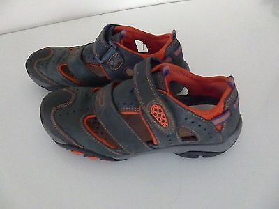 Clarks Boys Shoes / Trainers Navy colour Size 12 G