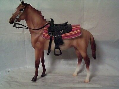 Breyer Classic Duchess - red roan with play Western saddle and bridle