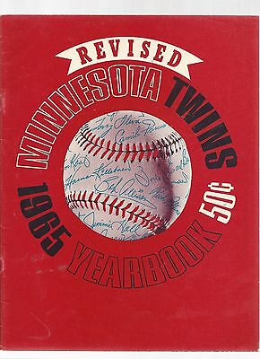 Original 1965  Minnesota TwinsYearbook - Revised Ed  - Ex  condition