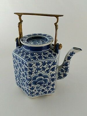 Chinese Blue & White Porcelain Teapot Footed Hexagon Hand Painted Antique China