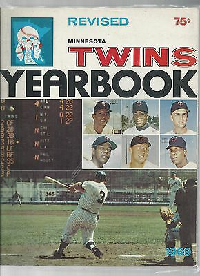 Original 1969  Minnesota TwinsYearbook - Revised Ed  - Ex  condition