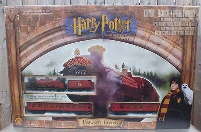 Bachmann Harry Potter & the Sorcerer's Stone Hogwarts Express HO Electric Train