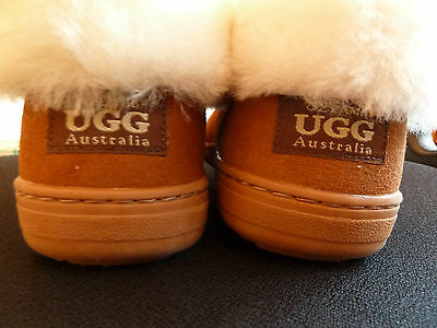 Rubber Sole Ozlamb UGG Slippers Size 9 (AU/US)