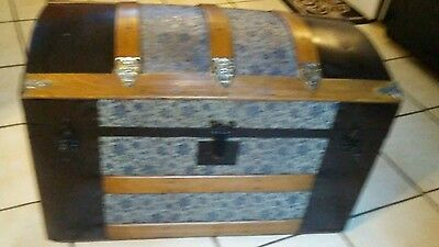 1800's Antique Pressed Embossed Tin Steamer Trunk Chest with lift out tray