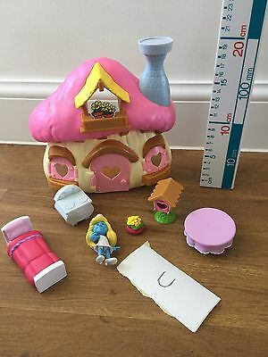 Smurfs 2 Shurfette Mushroom House Playset with Figure And Accessories Smurfette