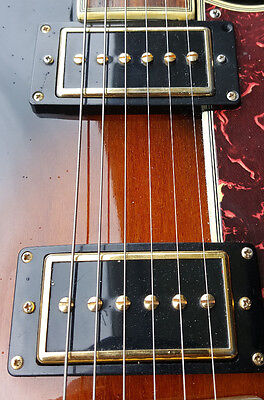 paire micros gibson P94 (gold)