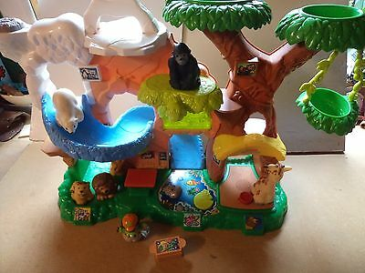 ELC Little People Plastic Toy - Zoo with zootalkers Animals with Sounds