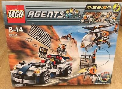 Lego Agents Helicopter/Car Chase  8634. Retired Collectors Set Box+Instructions.