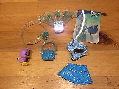 """icy Winx Club 9""""  2004spare,magnetic wings,accessories,clothes-no doll"""