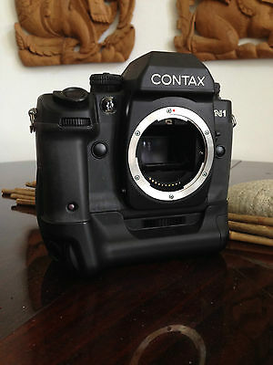 Contax N1 & P-9 Battery Holder