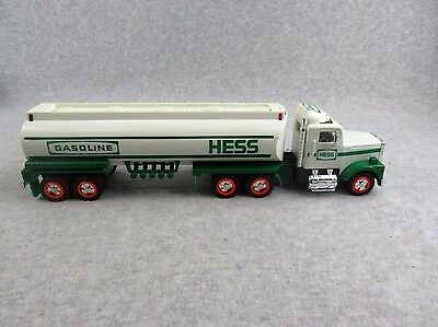 1990 HESS GASOLINE TOY TANKER TRUCK w/ SOUNDS and LIGHTS