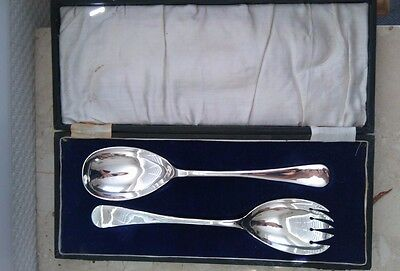 Vintage cased set of 2 Silver Plate Salad or Vegetable Servering Spoons