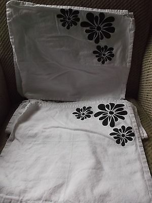 Set of 8 Napkins / Placemats in White with Black Flowers in Cotton